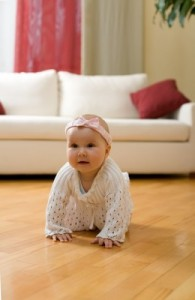 Babys udvikling 6-9 måneder