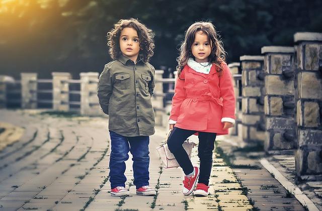 5 måder du kan spare penge på børnetøj